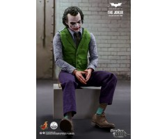 [PRE-ORDER] QS010 Batman The Dark Knight The Joker 1/4 Figure